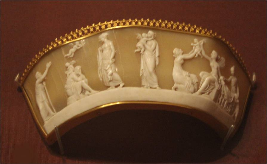1825-1830-tiara-shell-and-gilt-metal-motif-based-on-marble-relief-ages-of-love